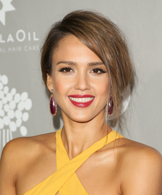 jessica-alba-best-celebrity-beauty-look-.jpg