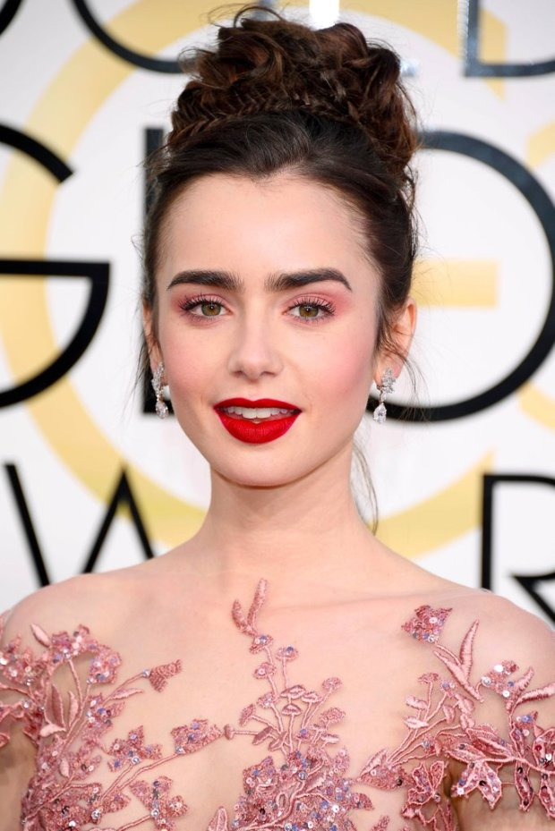 lily-collins-hair-makeup-2017-golden-globes